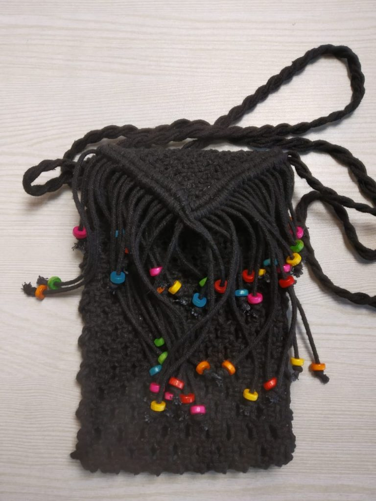 black mobile pouch